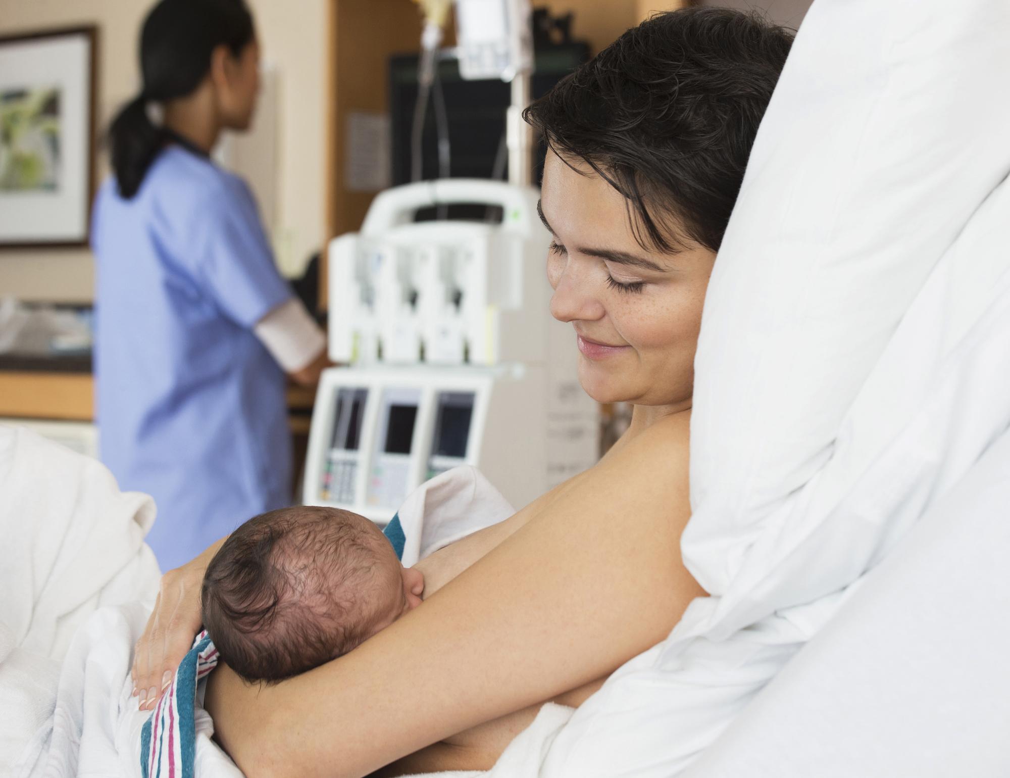 mom breastfeeding tips